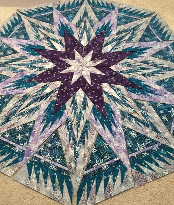 Feathered Snowflake Tree Skirt Quiltworx Made By Deborah H Enroughty