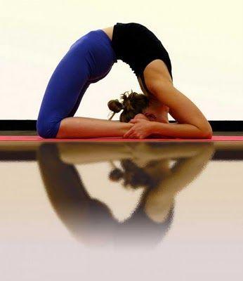 Kapotasana \ yoga backbend \ advanced yoga pose