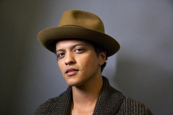 Bruno Mars To Headline Pre-Super Bowl Concert.