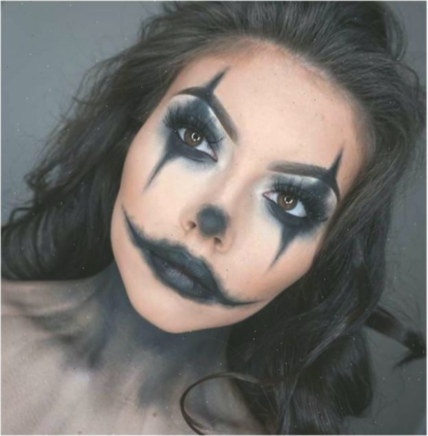 Scary Clown Makeup Night Circus Halloween Makeup Clown Makeup Pretty Circus Clown Halloween Makeup In 2020 Scary Clown Makeup Halloween Makeup Clown Easy Clown Makeup