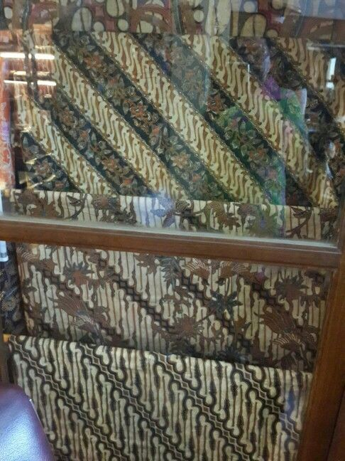 Batik Tulis Combinasi #batik #batiktulis #batikindonesia #batiknusantara #batikmurah #batikasli #batikkraton #batiksolo #batik #batiktulis #batikseratnanas #batikindonesia #batiknusantara #batikkraton #batiksolo #batikasli #batikmurah #batikcombinasi #batikcap #batiklawasan #batikklasik