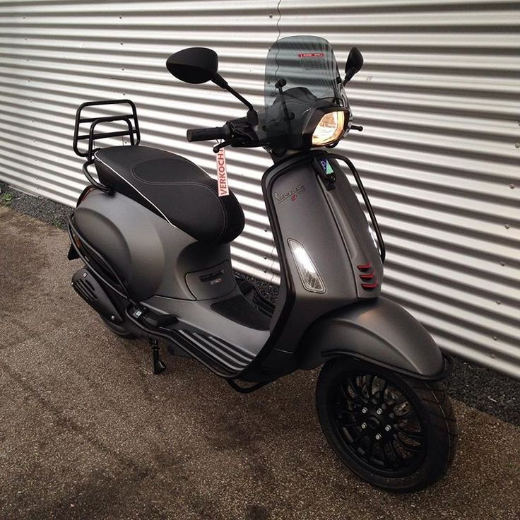 And another Vespa sprint sport titanio mattblack special sold today #vespa#sprint#titanio#matgrey#mattblack#fulloptions#options#matzwart#antreciet#beugels#beugelset#valbeugels#smoke#led#audi#look#coating#specialpaint#special#custom#customized#primavera#piaggio#collections#wateringen#