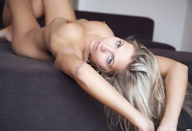 Секс порно откровенное со шлюхами стара-лись вести