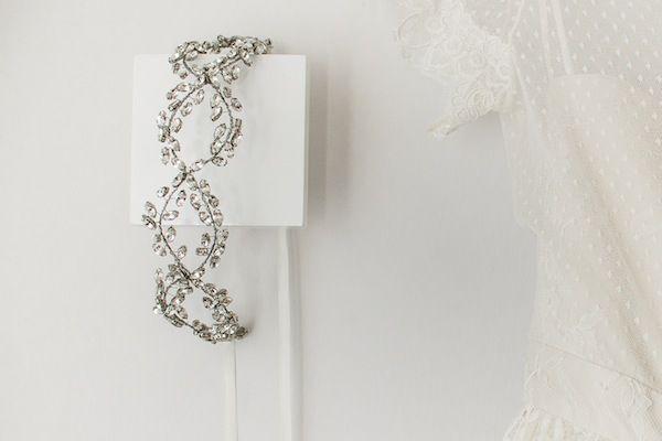 Casamento Descolado   Mabi + Francisco   Vestida de Noiva   Blog de Casamento por Fernanda Floret   Acessório para cabeça