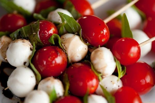 The power of an easy, stress-free appetizer: Caprese-style skewers for the win! Sweet dessert ideas for your next cocktail party can be found at http://cakemate.com/.