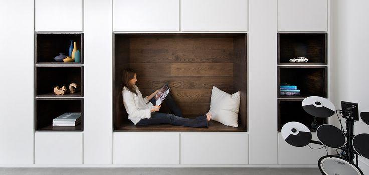 Modern, minimalist furniture design idea in a renovated house in London
