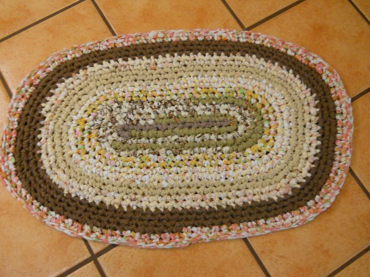 I Stopped My Other 3 Rugs To Quickly Pull Together This Basic Fairly Neutral Oval Rag