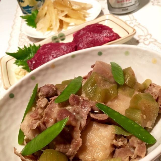 こんばんは  熊本2日目の晩ご飯は何と❗️❗️  かよちゃんの手料理でした  ・親芋とリュウキュウの煮物 ・ヤーコンのサラダwith柚子酢ドレ ・かよちゃんオススメの馬刺  こんな幸せいっぱい晩ご飯を食べながら…  乾杯〜っ - 37件のもぐもぐ - ✨かよちゃんとのコラボご飯✨ by Jun1Nakada