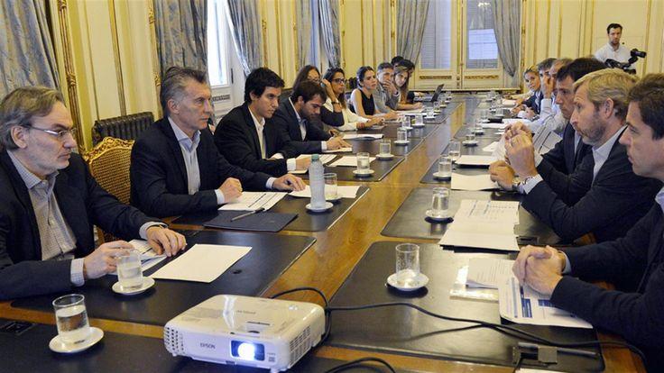 El aumento de ministerios y la creación casi ilimitada de estructuras administrativas en el gobierno de Mauricio Macri se pueden observar en la pagina web del Ministerio de Modernización, que dirige Andrés Ibarra , Mapa del Estado.   #GABINETE #MACRI