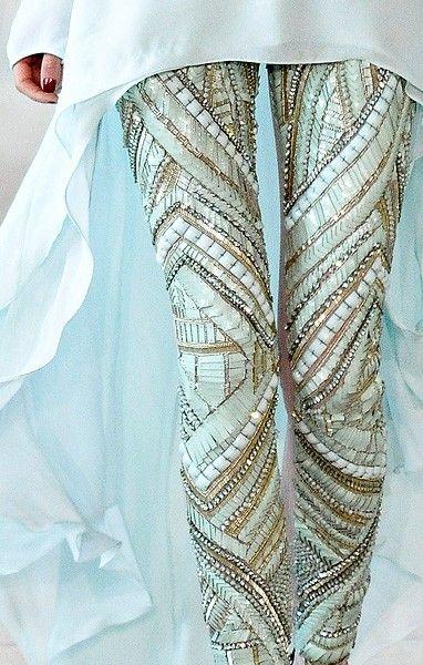 beading, embroidery. chiffon, chiffon, tulle, Swarovski crystal. Crystal. Embellishment. Antonio Berardi