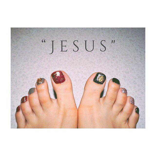 "#💅 #nail #selfnail #essie #700 #angoracardi #1127 #exposed #shiro #7h03 #indigo #lunasol #16 #shinefall #ネイル #セルフネイル #エッシー #アンゴラカルディ #エクスポーズド #シロ #インディゴ #ルナソル #シャインフォール ・ ・ ・ ""Jesus""  100均のネイルグッズでお洒落に💕 ・ ・ ・ #お洒落さんと繋がりたい #followme"