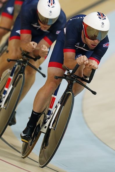 #RIO2016 Mark Cavendish of Great Britain and Team GB trainers with the team pursuit riders at the Rio Olympic Velodrome on August 4 2016 in Rio de Janeiro...