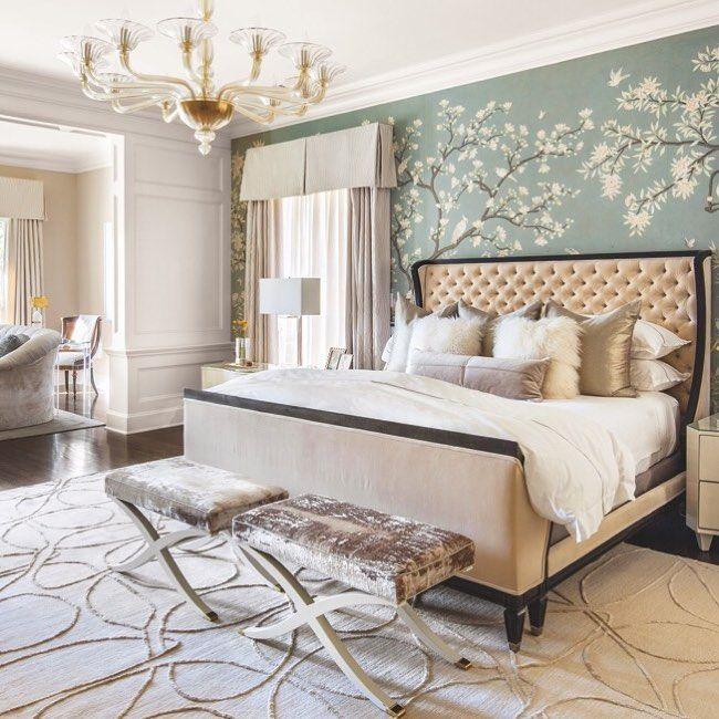 Hand-painted @graciestudio wallpaper makes for a master bedroom that is almost royal #LuxeTX Mar/Apr Interiors: Gonzalo Bueno / @tenplusthree_ Photo: Nick Johnson @sandow • • #instaluxe #luxuryinteriors #txdesign #masterbedroom #wallpaper #royal #dallas