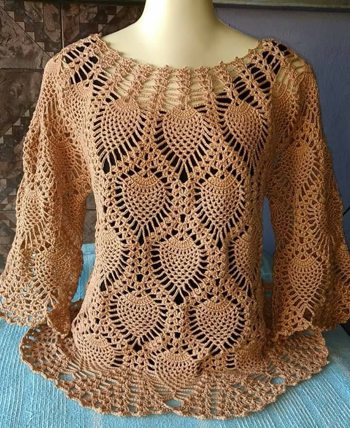 Look girls ... what a beautiful blouse with pineapple crochet stitches I found the video below ... kisses !!!!!!⬇⬇