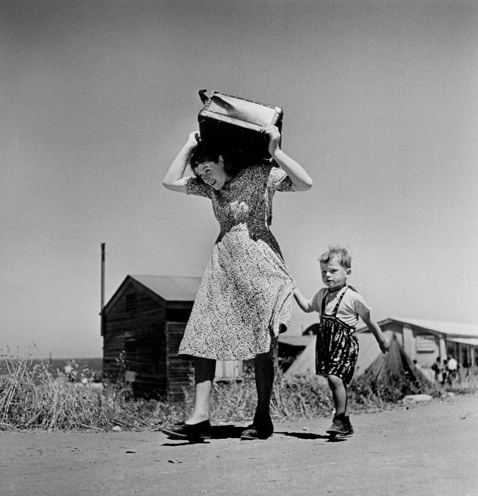 1949-50 Haifa, Israel: arriving immigrants//Robert Capa