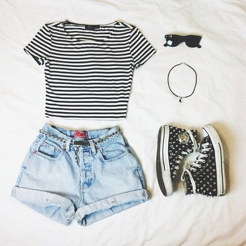 Resultado de imagen de shorts white shirt we heart it