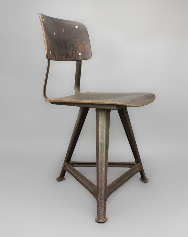 'Rowac Chair' #blomandblom #lighting #lamps #amsterdam #interiordesign #industrial #interior #design #furniture #clock