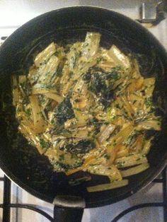 Blettes sautées à l'ail et à la crème - Recette de cuisine Marmiton : une recette