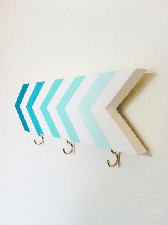 Very cute: Wall Hooks, Turquoise Blue, Blue Rooms Decor Diy, Keys Hangers, Blue Wall, Diy Ombre Wall, Ombre Chevron Wall, Keys Holders, Blue Mint