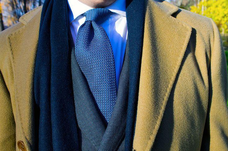Fall can come, I'm ready.   Cashmere coat: Tagliente DB-Suit: Herrainpukimo mtm Shirt: Herrainpukimo mtm Grenadine tie: Herrainpukimo.fi Cashmere scarf: Herrainpukimo.fi  More style in Finnish: tyyliniekka.fi