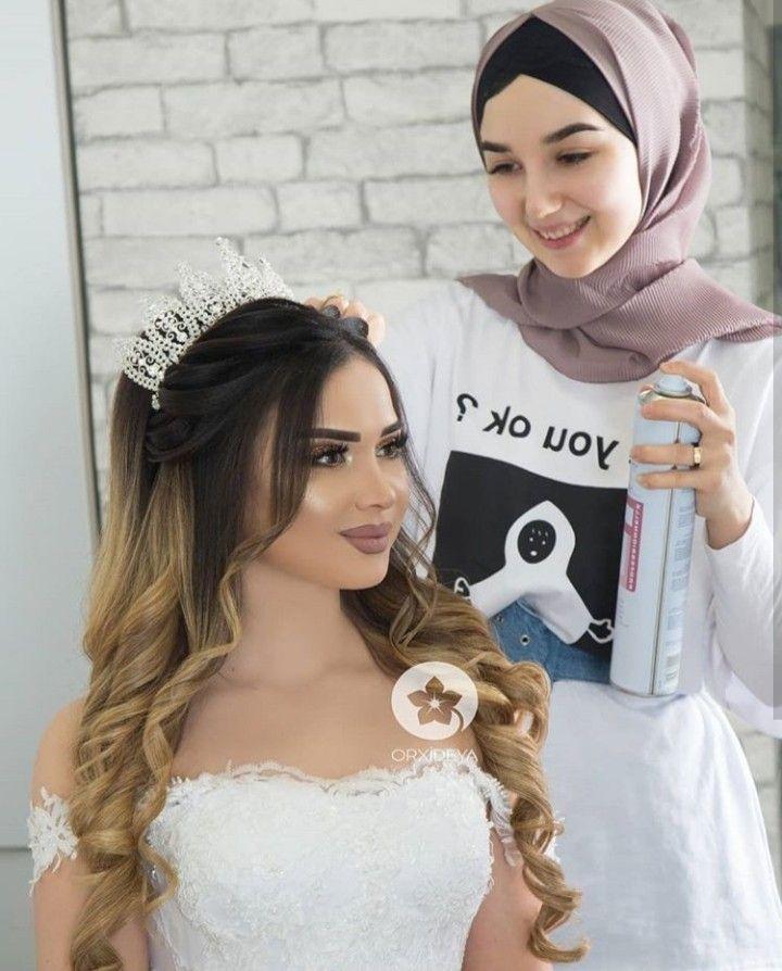 Raghad Adli Kullanicinin Hairstyles Orxideya Panosundaki Pin Sik Sac Modelleri Gelin Sac Modelleri Gelin Makyaji