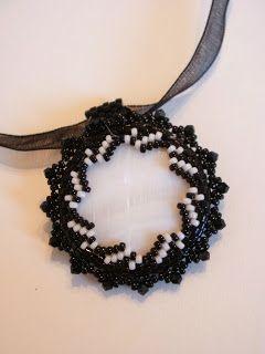 le cr3azioni di cr3stina - gioielli artigianali: Schema decorazione punte interne bicolor - tecnica peyote
