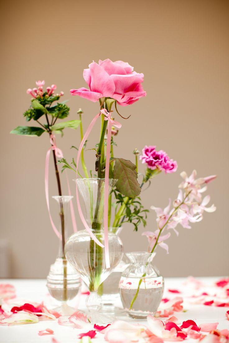 Roze roos in vaasje