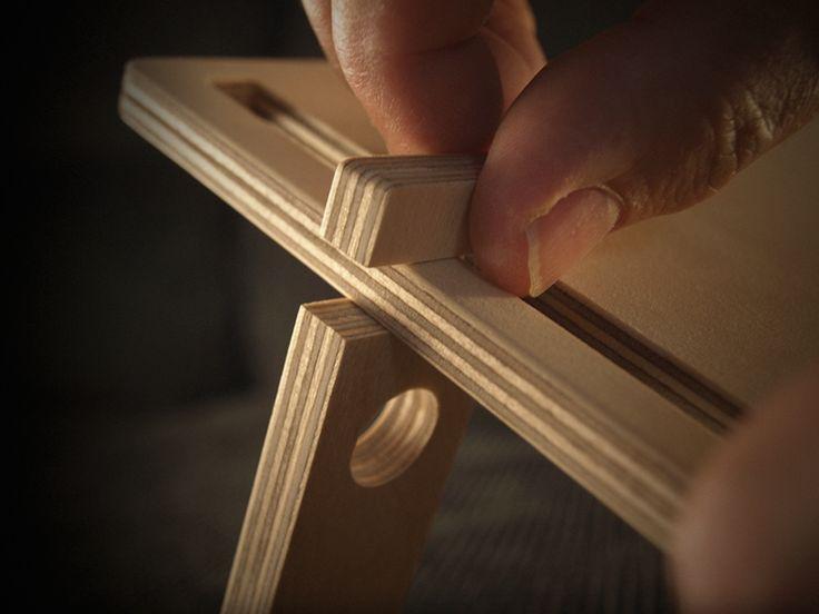 Soporte para Tablet, desmontable i fácil de transportar,. Las piezas DEHOOK se colocan simplemente con un giro de 90º. €26,00 - DETABLET