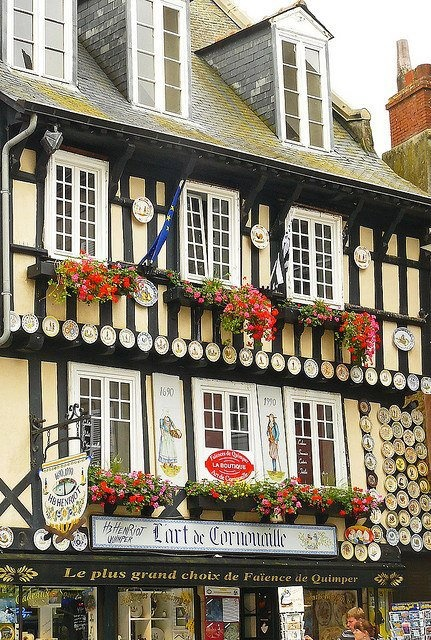Pottery Shop in Quimper, charming town in the Finistère region,  famous for its faïence.  Brittany, France