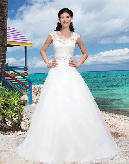 29 best Sincerity Bridal images on Pinterest | Wedding frocks, Short ...