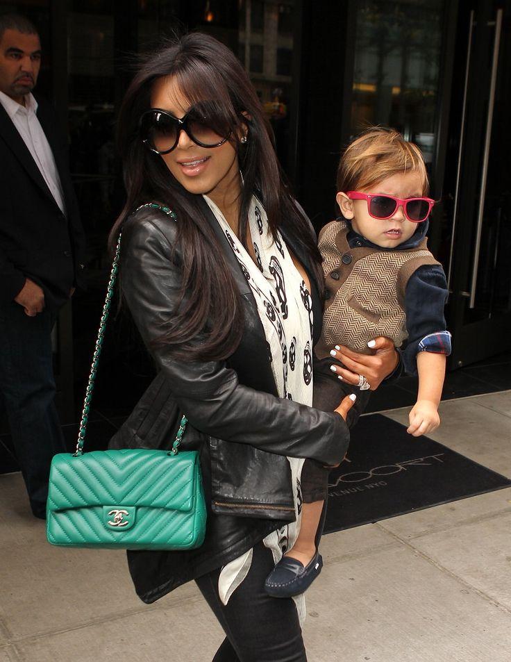 Skull scarfAlexander Mcqueen, Green Chanel, Handbags Pur, Kardashian Style, Chanel Pur, Mason, Bags Celebrities, Kim Kardashian Chanel Bags, Bags Handbags