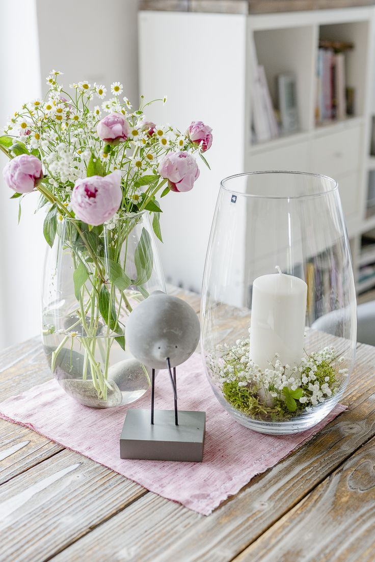 Blumen arrangieren im Landhausstil