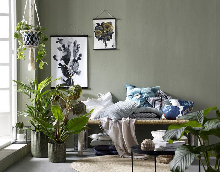 pöytä,penkki,tyynynpäällinen,tyyny,kevät