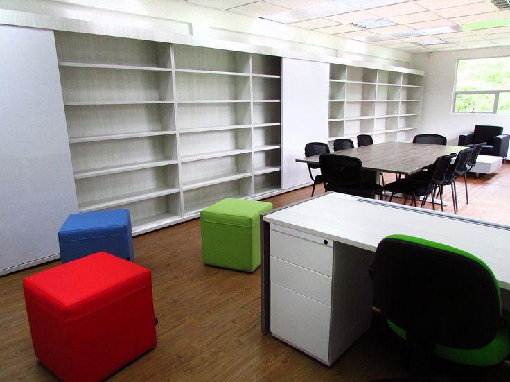 Biblioteca Instituto Humboldt - Mobiliario Famoc Depanel