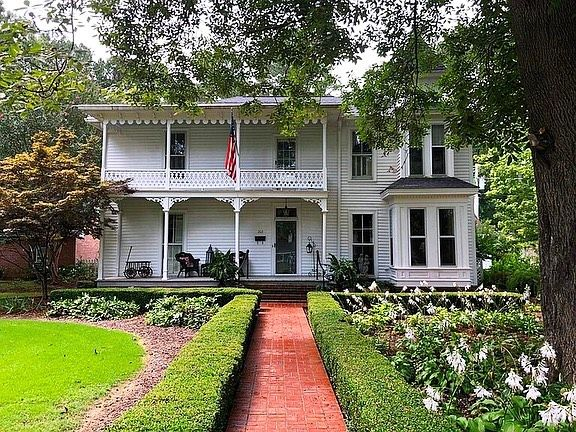 Historical Homes On Instagram Fulton Mississippi 1834 For Sale 249 900 3 Bed 3 Bath 3 879sqft Victorian Homes Exterior Old House Dreams Old Houses For Sale