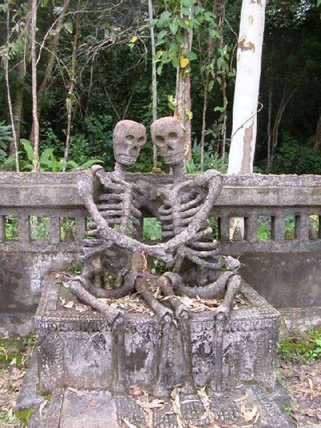 Endless Love in Thailand. Creepy grave sculptures...   #graveyard #creepy #gravestone