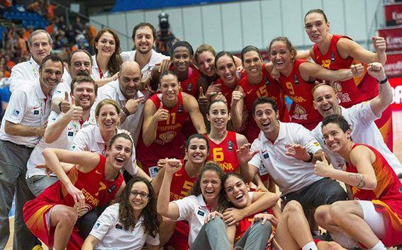 La selección femenina de baloncesto ha conseguido colgarse la medalla de bronce en el Eurobasket de Praga. ¡Enhorabuena de parte de todo el equipo de Atmósfera Sport! #eurobasket
