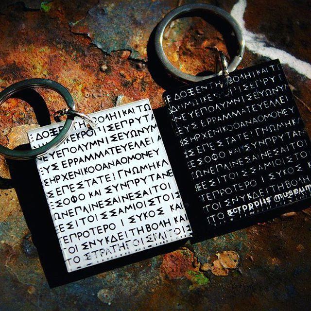 #acropolismuseum #museumshop #gift #keyring #keychain #ancientgreece #lettering #font #colors #black #white #acrylic #plexiglass #screenprint #lazercut #plexiartshop #greece #greekdesigners #graphicdesign #handprint #handmade #photooftheday #picoftheday photo credits @lakonistas 💙💙💙