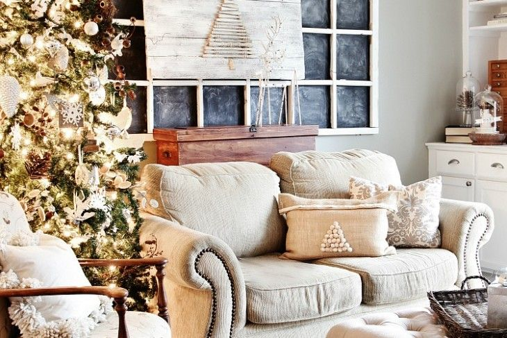 A Little Christmas Decorating and a GIANT Cyber Monday Sale and Giveaway