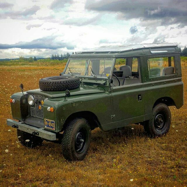 2189 best images about land rovers on pinterest station wagon range rovers and range rover. Black Bedroom Furniture Sets. Home Design Ideas