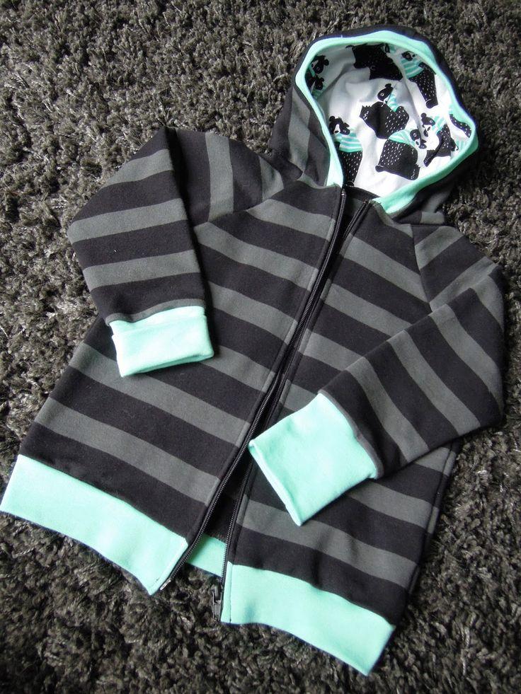 Ipanappi: Raidallinen karhuhuppari - The bear hoodie