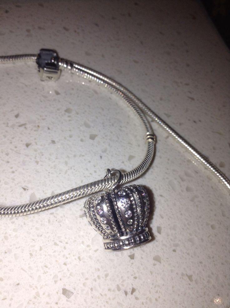 Pandora crown pendant n chain