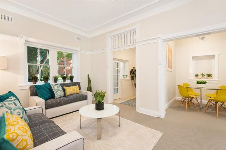 Vendor review in Mosman: My agent Catherine Hawkins could not be faulted. From my first meeting I found her to be ver...