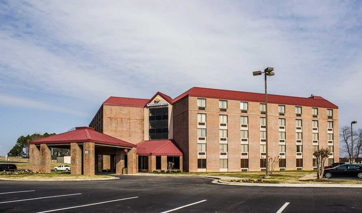 Reserve :- https://www.comfortinnrockymountnc.com/ ....................  200 Gateway Boulevard, Rocky Mount, North Carolina, 27804 This Rocky Mount, NC hotel is only minutes from popular area attractions, like the Dunn Center for the Performing Arts, Nash Community College, Rose Hill Plantation and North Carolina Wesleyan College.
