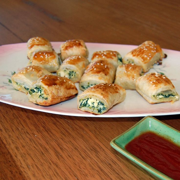 Spinach and Ricotta Puff Pastry Bites for the Vegetarian ...