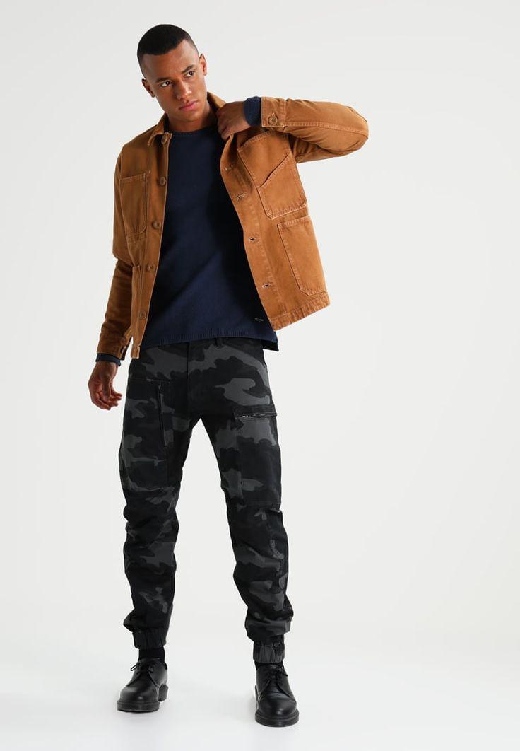 ¡Consigue este tipo de chaqueta vaquera de Wåven ahora! Haz clic para ver los detalles. Envíos gratis a toda España. Wåven GUNNAR Chaqueta vaquera tan: Wåven GUNNAR Chaqueta vaquera tan Ropa   | Material exterior: 100% algodón | Ropa ¡Haz tu pedido   y disfruta de gastos de enví-o gratuitos! (chaqueta vaquera, vaquera, denim, jeansjacke, chaqueta denim, veste en jean, giacca in jeans)