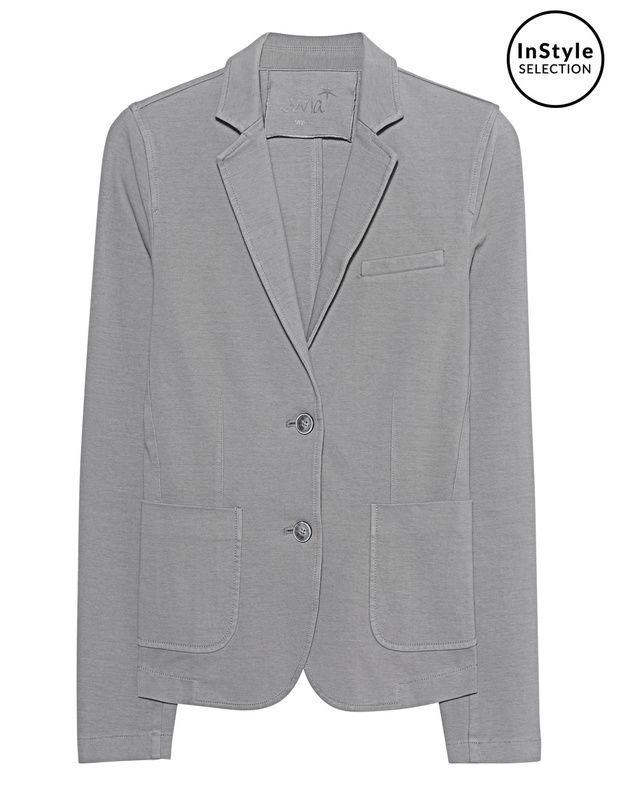Lässiger Baumwoll-Stretch-Blazer Der tailliert geschnittene graue Blazer ist aus einem robusten Baumwoll-Stretch gefertigt und kommt mit aufgesetzten Taschen.  Lässig-elegant - ultra-vielseitig zu kombinieren!