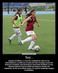 Resultado de imagen para imagenes con frases bonitas de futbol femenino