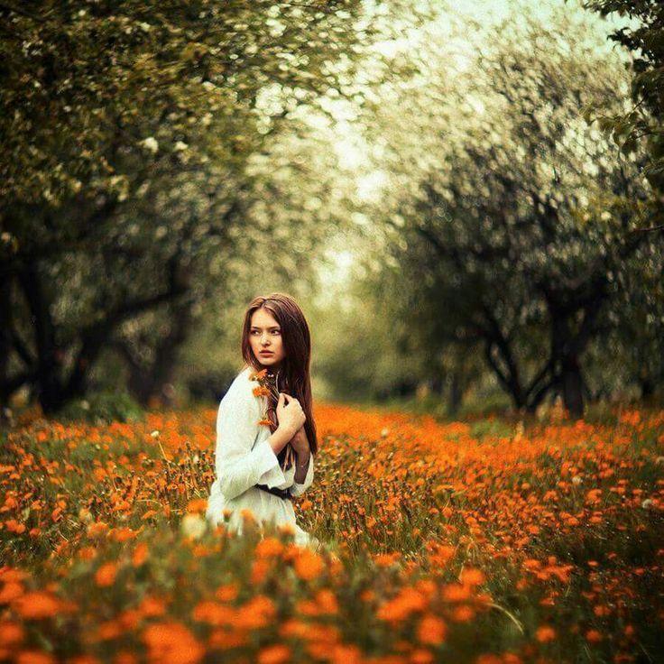 Kızgınlık, kırgınlık ya da acıya tutunmayın. Enerjinizi çalar ve sizi sevmekten alıkoyarlar...   ~ Leo Buscaglia ~