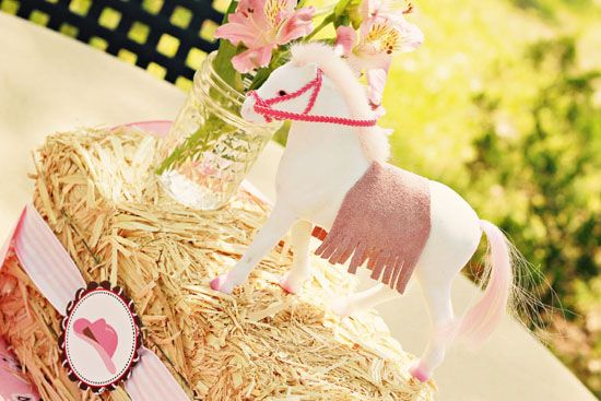 .Table Decorations, Birthday Parties, Ponies Parties, Pink Cowgirls Parties, Horses Parties, Parties Ideas, Fresh Flower, Hay Bale, Horse Party